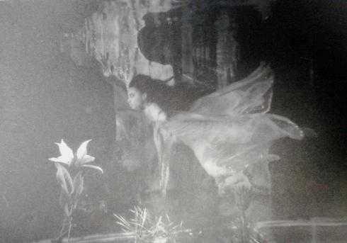 donyale luna underwater